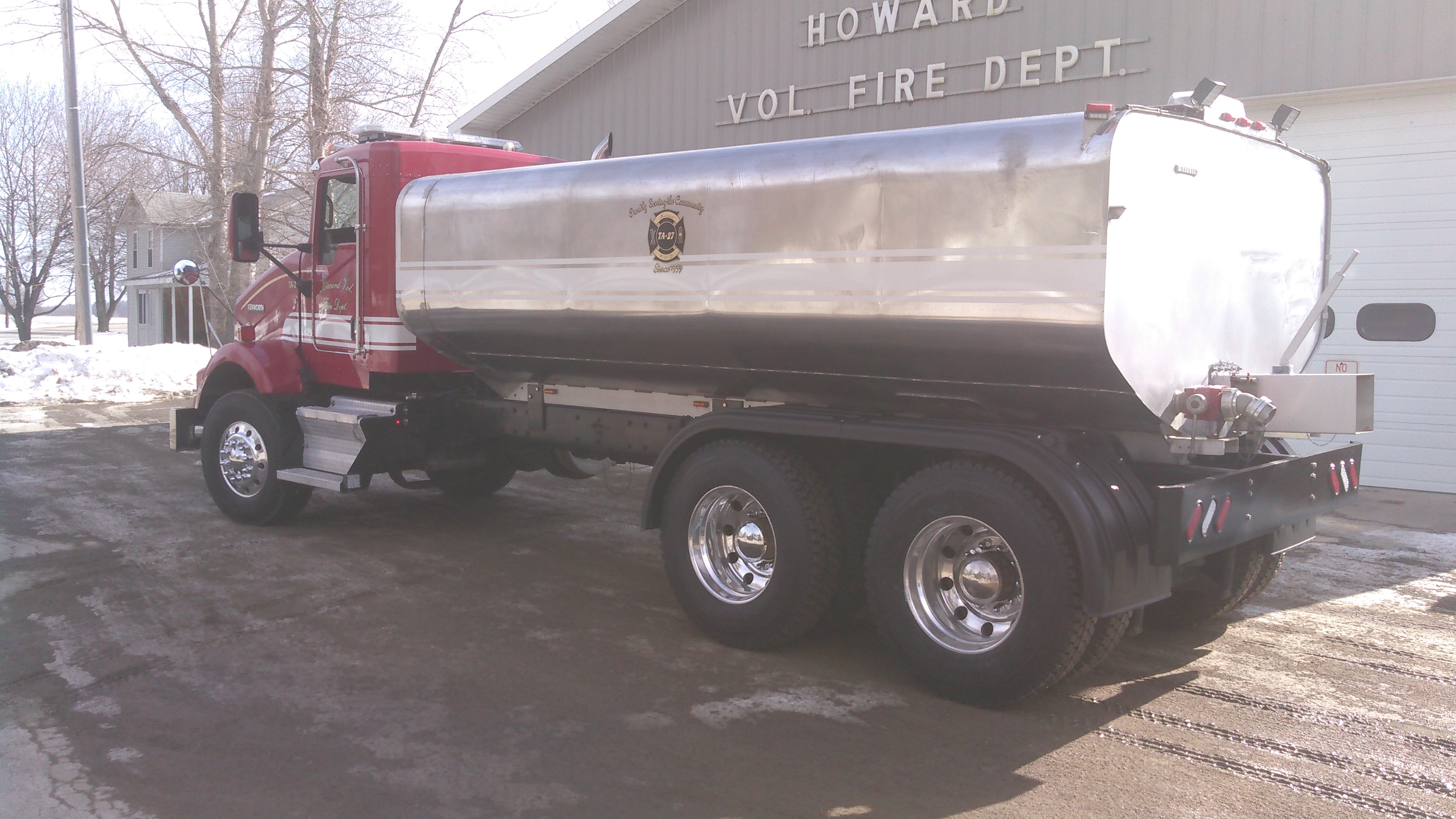 FTF-27 Fenders on Howard Volunteer Fire Department Tanker